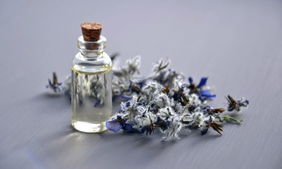aromatherapy-aromatic-bottle-932577-2000x1200