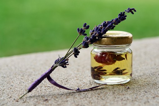 CBD and Essential Oils: A Few Mixes You CanTry