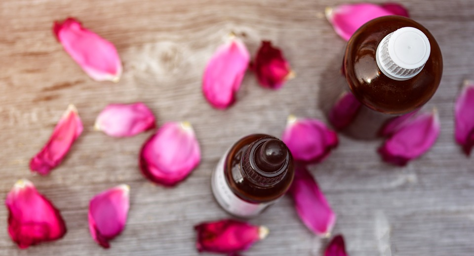 5 Popular Essential Oils and TheirUses