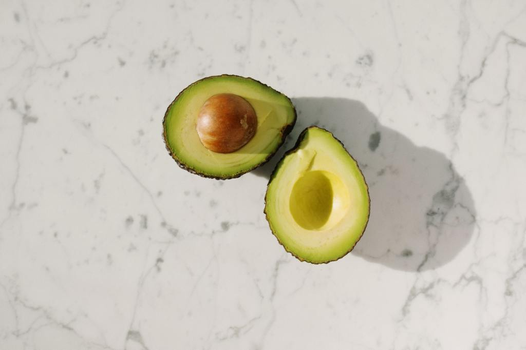 This image has an empty alt attribute; its file name is avocado-1.jpg